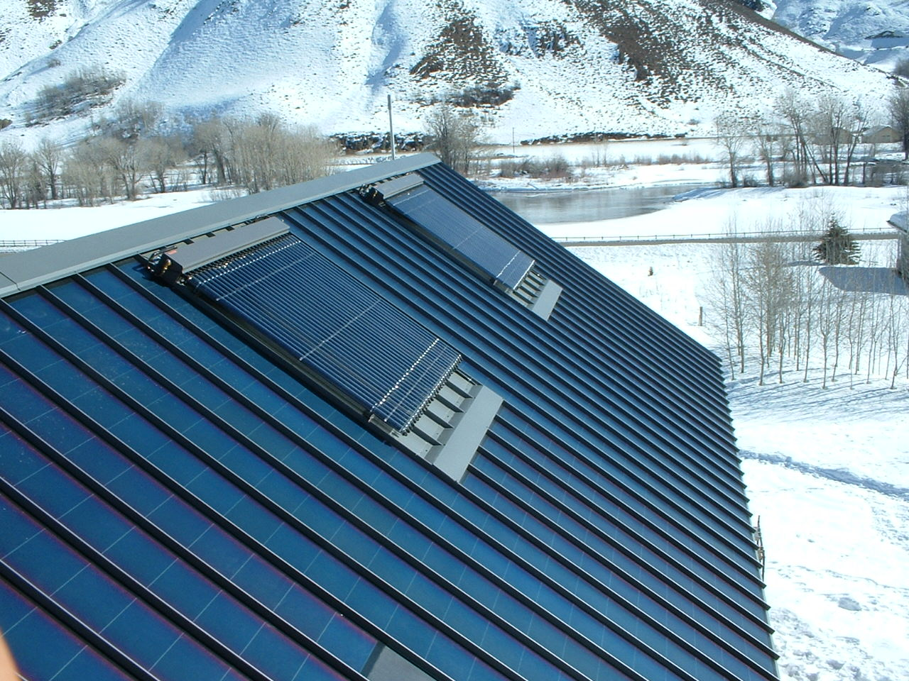 Evacuated Tube Solar Collectors (Domestic Hot Water)
